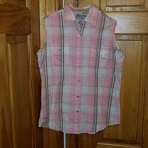 Wrangler Plaid Sleeveless Women's Shirt. Size smal